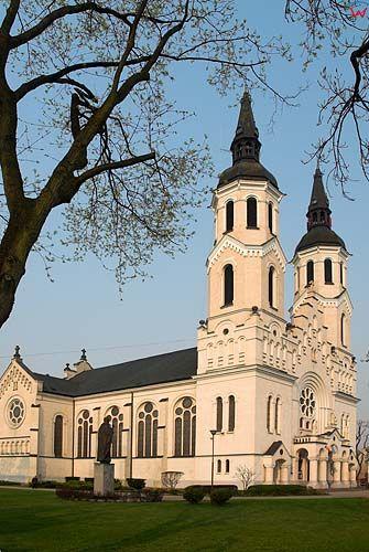 _W060407 kościół Najświętrzego Serca Jezusowego w Augustowie.