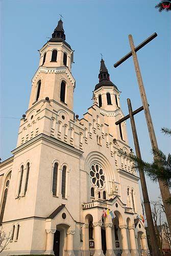 _W060408 kościół Najświętrzego Serca Jezusowego w Augustowie.