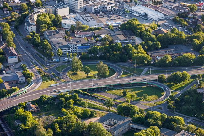 Bialystok, NE czesc miasta z bezkolizyjnym skrzyzowaniem. EU, PL, Podlaskie. Lotnicze.