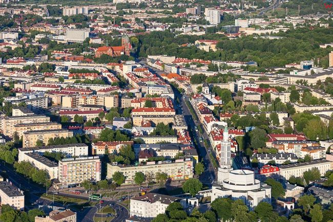 Bialystok, kosciol sw. Rocha z ulica Lipowa. EU, PL, Podlaskie. Lotnicze.