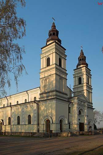 _W060205 kościół św. Piotra i Pawła w Suwałkach