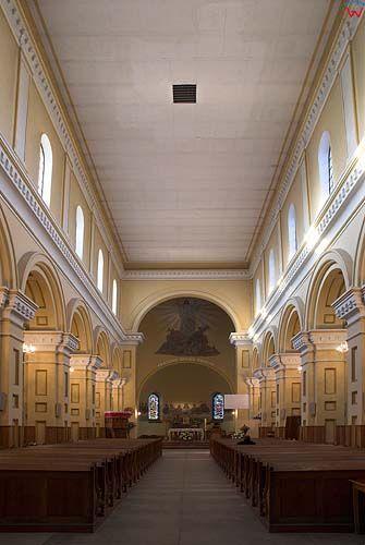 _W060208 wnętrze kościoła św. Piotra i Pawła w Suwałkach