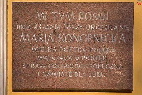 _W060218 tablica na domu Marii Konopnickiej w Suwałkach