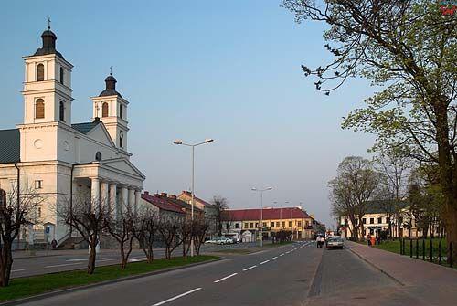 _W060392 ulica Piłsudskiego w Suwałkach.
