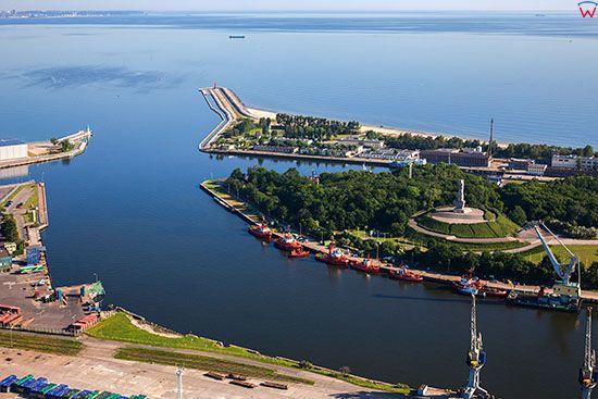 Gdansk, Wejscie do Portu Gdanskiego. EU, PL, Pomorskie. Lotnicze.