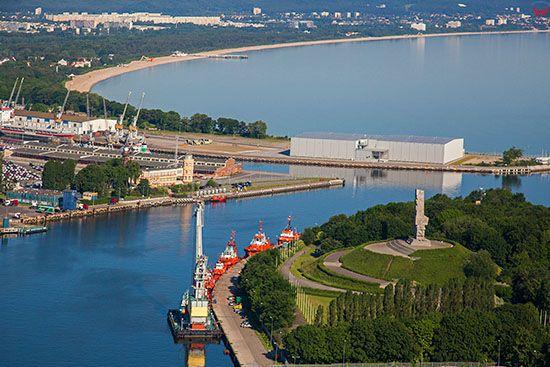 Gdansk, Martwa Wisla uchodzaca do Zatoki Gdanskiej, n/z Westerplatte. EU, PL, Pomorskie. Lotnicze.
