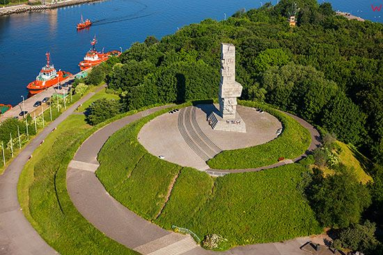 Gdansk - Westerplatte n/z Pomnik Obroncow Wybrzeza. EU, PL, Pomorskie. Lotnicze.