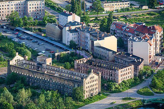 Gdansk, spichlerz z IX wieku na terenie Ruiny Starych Zakladow Miesnych. EU, PL, Pomorskie. Lotnicze.
