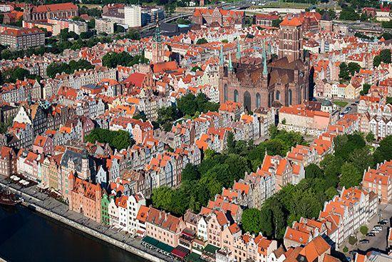 Gdansk, panorama na Glowne Miasto. EU, PL, Pomorskie. Lotnicze.