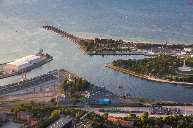 Gdansk, Martwa Wisla na odcinku Westerplatte. EU, PL, Pomorskie. Lotnicze.