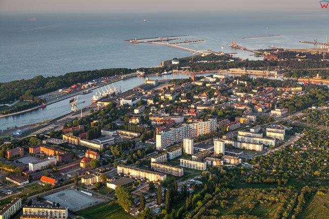 Gdansk Nowy Port na tle Zatoki Gdanskiej. EU, PL, Pomorskie. Lotnicze.