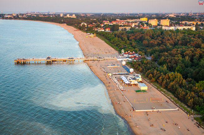 Gdansk, plaza i Molo w Brzeznie. EU, PL, Pomorskie. Lotnicze.