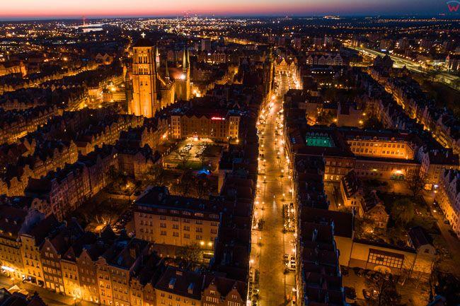 Gdansk, panorama miasta z lotu ptaka- ul. Dluga. EU. PL,Pomorskie. Lotnicze.