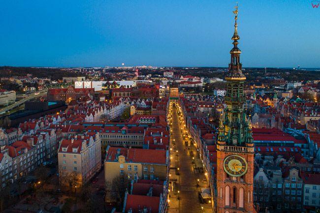 Gdansk, panorama miasta z lotu ptaka-Ratusz i ul Dluga. EU. PL,Pomorskie. Lotnicze.