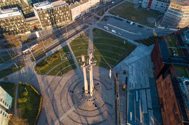 Gdansk, panorama miasta z lotu ptaka-Pomnik Stoczniowcow. EU. PL,Pomorskie. Lotnicze.