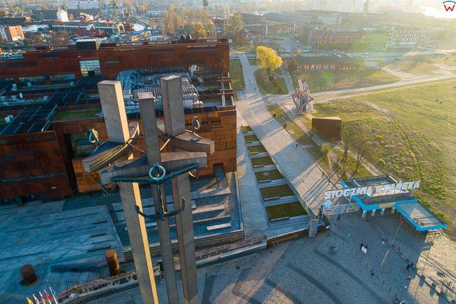 Gdansk, panorama miasta z lotu ptaka-Pomnik Stoczniowcow i ECS. EU. PL,Pomorskie. Lotnicze.
