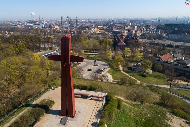 Gdansk, panorama miasta z lotu ptaka-Krzyz Milenijny. EU. PL,Pomorskie. Lotnicze.