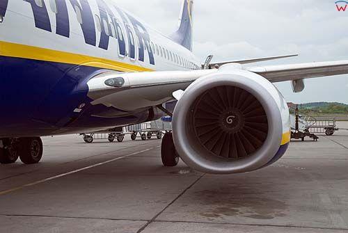 Silnik odrzutowy samolotu pasażerskiego.