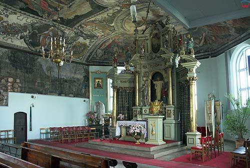 Wnętrze kościoła w Stegnie