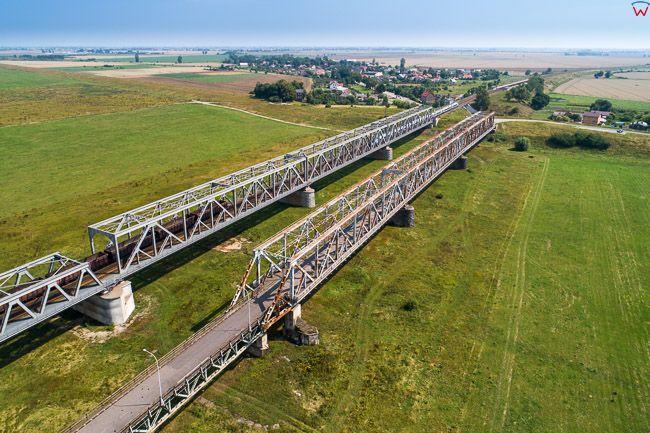 Tczew, most drogowy i kolejowy. EU, PL, Pomorskie. Lotnicze.