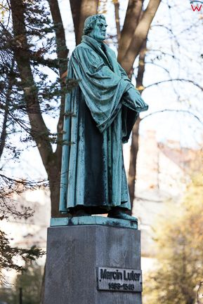 Bielsko - Biala, pomnik Marcina Lutra na placu Lutra. EU, PL, Slaskie.