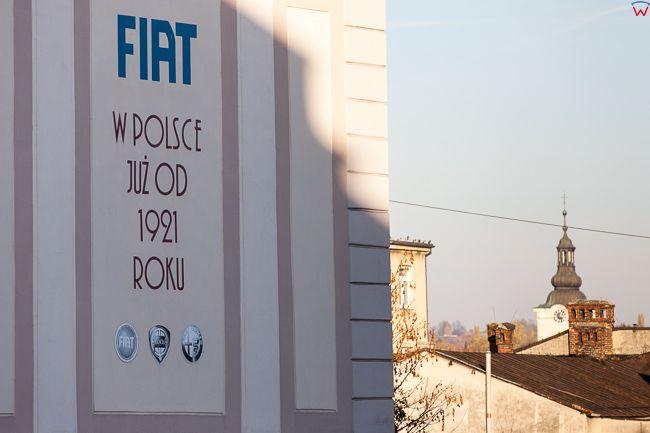 Bielsko - Biala, kamienica przy ulicy Zamkowej z reklama Fiata. EU, PL, Slaskie.