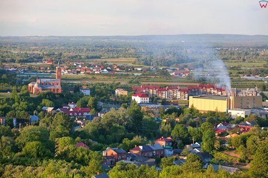 Dwikozy - panorama od strony SW. EU, Pl, Swietokrzyskie. LOTNICZE.