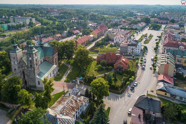 Opatow, kosciol parafialny i Rynek