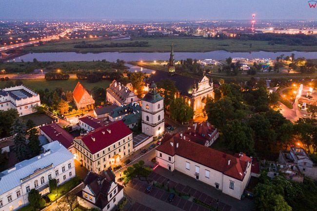 Sandomierz, Dzwonnica z Bazylika Kateralna na tle Wisly