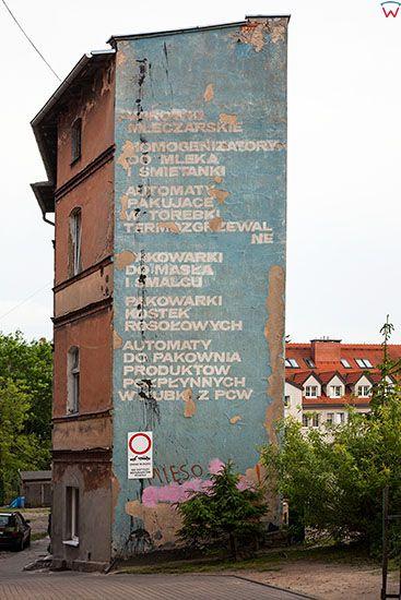 Gniezno, budynek ze stara elewacja. EU, Pl, Wielkopolskie.