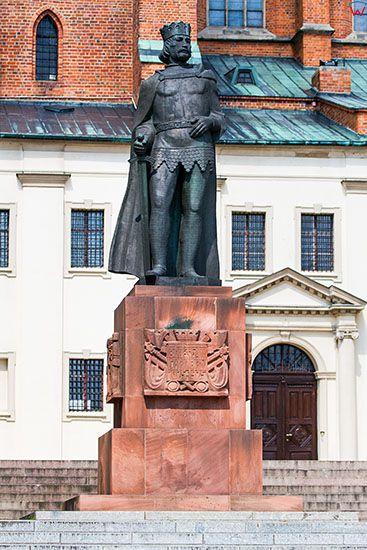 Gniezno, pomnk Boleslawa Chrobrego przed Katedra. EU, PL, Wielkopolskie.