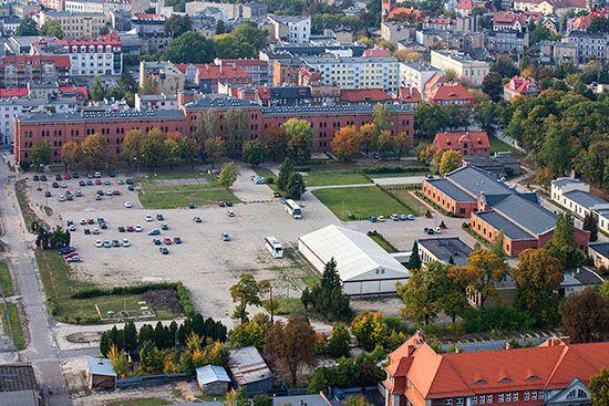 Gniezno, byle koszary wojskowe. EU, Pl, Wielkopolskie. Lotnicze.