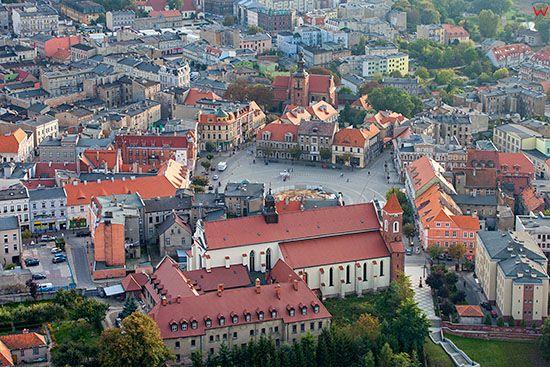 Gniezno, Panorama na Rynek Miejski. EU, Pl, Wielkopolskie. Lotnicze.
