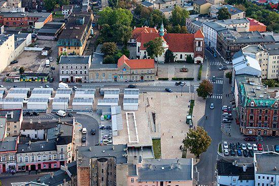 Gniezno, Plac 21 Stycznia z Targowiskiem Miejskim. EU, Pl, Wielkopolskie. Lotnicze.