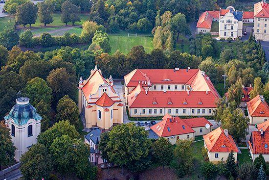 Gniezno, Muzeum Archidiecezji Gnieznienskiej. EU, Pl, Wielkopolskie. Lotnicze.