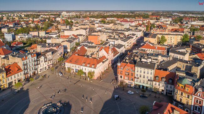 Gniezno, ulica Tumska i Rynek. EU, Pl, wielkopolskie. Lotnicze