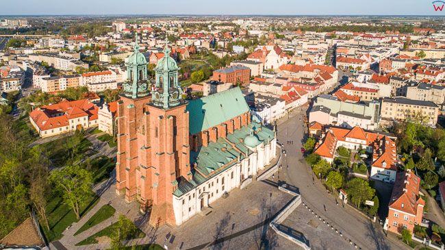 Gniezno, katedra. EU, Pl, wielkopolskie. Lotnicze