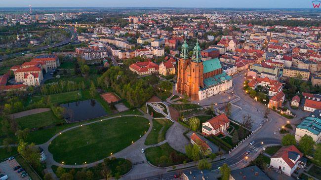 Gniezno, Bazylika i Park z Placem sw. Wojciecha