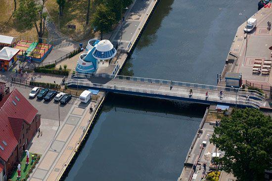 Rozsuwany most w Darlowku. EU, PL, Zachodniopomorskie. Lotnicze.