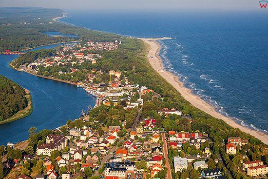 Dziwnow, panorama na miasto od strony E. EU, Pl, Zachodniopomorskie. Lotnicze.