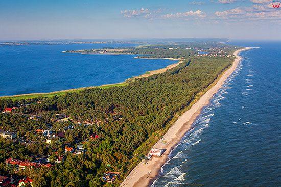 Dziwnowek, Morze Baltyckie i Zatoka Wrzosowska. EU, Pl, Zachodniopomorskie. Lotnicze.