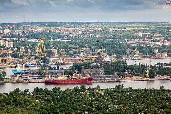 Szczecin, panorama na Stocznie Szczecinska Nova i Gryfia. EU, Pl, Zachodniopomorskie. Lotnicze.