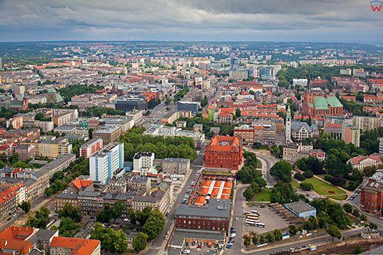 Szczecin, panorama na Srodmiescie od strony SW. EU, Pl, Zachodniopomorskie. Lotnicze.