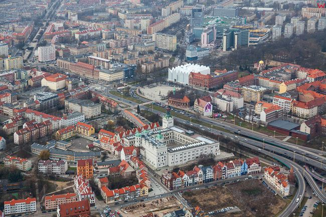 Szczecin, Stare Misto i Zamek Ksiazat Pomorskich. EU, PL, Zachodniopomorskie. Lotnicze.