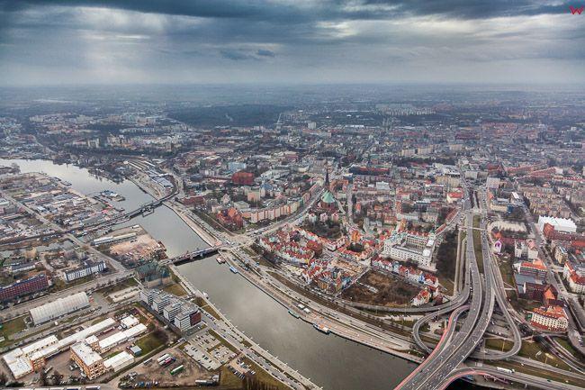 Szczecin, panorama na Stare i Nowe Miasto. EU, PL, Zachodniopomorskie. Lotnicze.