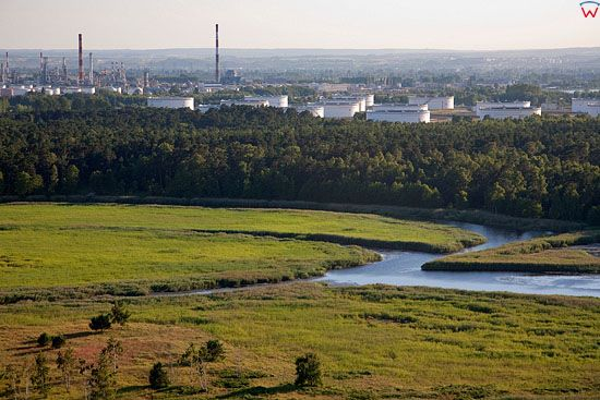 Lotnicze, Pl, Pomorskie. Rafineria Gdanska widoczna od strony wschodniej.