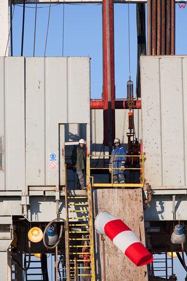 Poszukiwania gazu lupkowego w Babiaku, 2013-03-23.  EU, Pl, warm-maz.