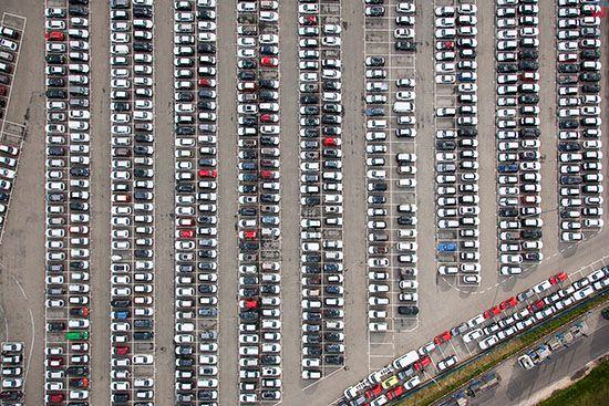 Belchatow, CAT Polska parking samochodow osobowych. EU, Slaskie. Lotnicze.