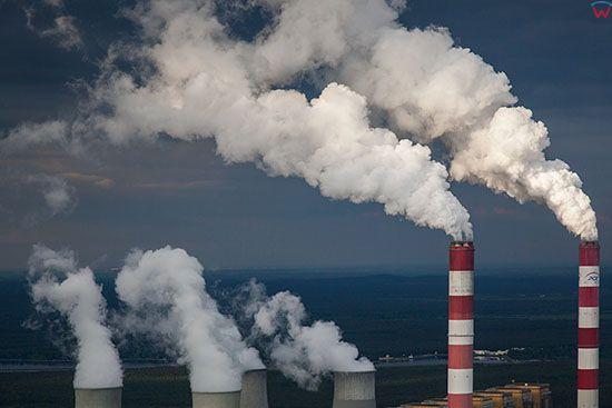 Belchatow, najwieksza w europie elektrownia zasilana weglem brunatnym. EU, Slaskie. Lotnicze.