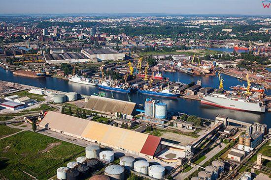 Gdansk, panorama na Stocznie od strony NE. EU, PL, Pomorskie. Lotnicze.